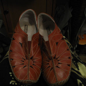 PIKOLINOS RED SLIP ON LEATHER LOAFERS 7.5